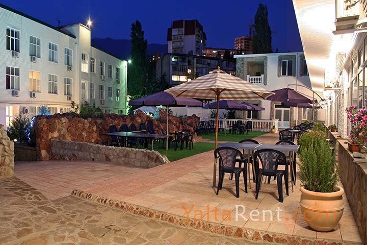 Ялта частный отель Коммерсант